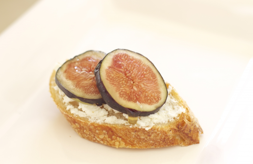 Fig and Ricotta Crostini with Honey